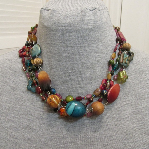 Jewelry - Colorful beaded necklace
